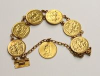 A gold bracelet set 7 Victorian sovereigns - 2 x 1892, 1 x 1890,  4 x 1889 SOLD FOR £1300