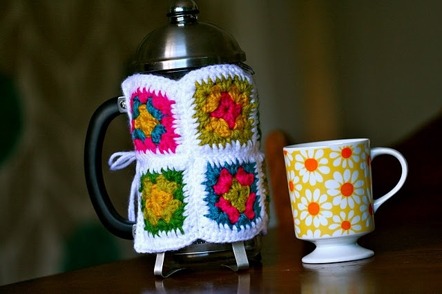 My French Press needs a cozy too.French Press, Daily Coffe, Coffe Cups, Gift Ideas, Crochet, Coffe Cozy, Granny Squares, Press Cozy, Coffe Service