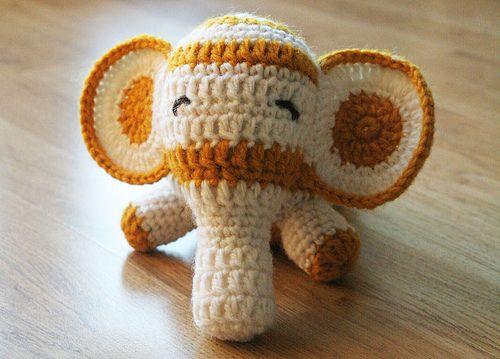 yellow/white elephant by Dina´s nest, via Flickr