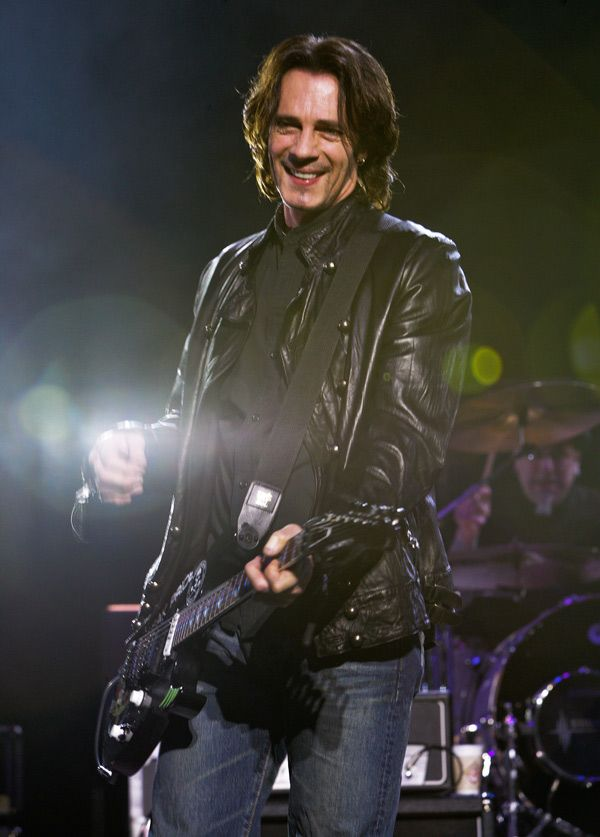 Rick Springfield, my big 80s crush, still rocking and looking pretty damn good at 64!