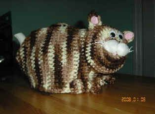 Free crochet pattern for a cat tea cozy and   hundreds of other free patterns and projects available at Craftown.