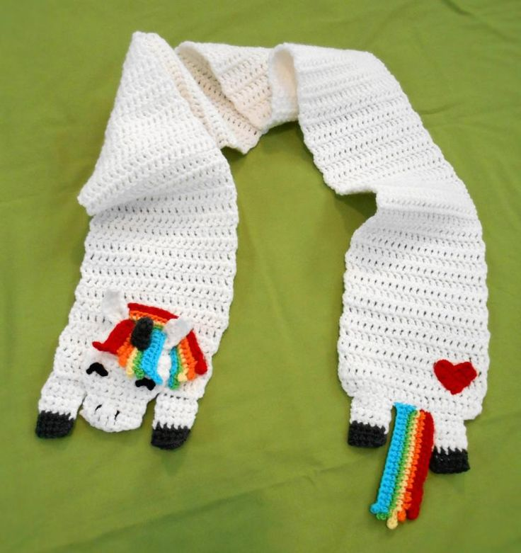 Rainbow Unicorn Knitting Pattern : Rainbow unicorn scarf by charleeann crochet daily