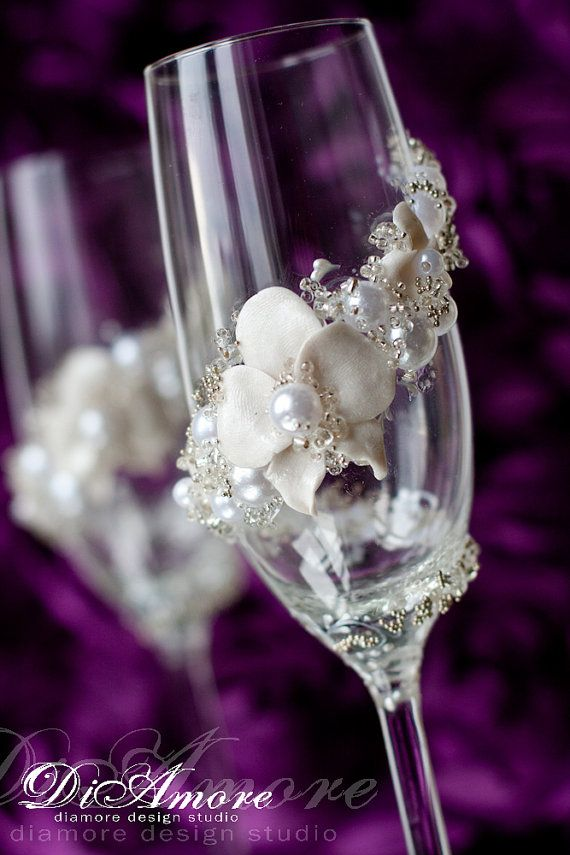 Design Wedding champagne glasses from the collection Art Flowers These unusual glasses are perfect for the wedding of classical, black & white wedding,