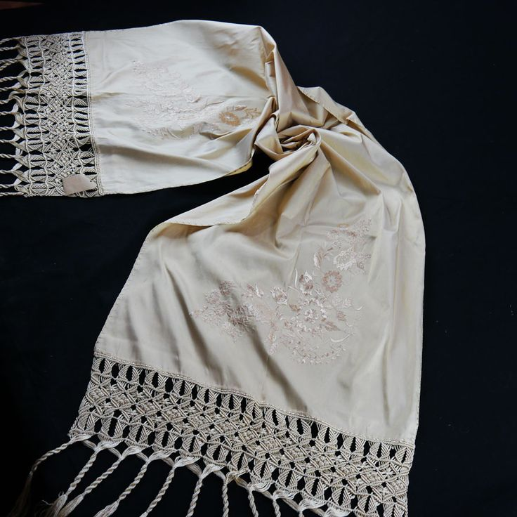 SILK TABLE RUNNER WITH EMBROIDERY AND HANDMADE MACRAME 46