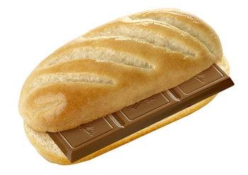 El pan con chocolate. La merienda de toda la vida.