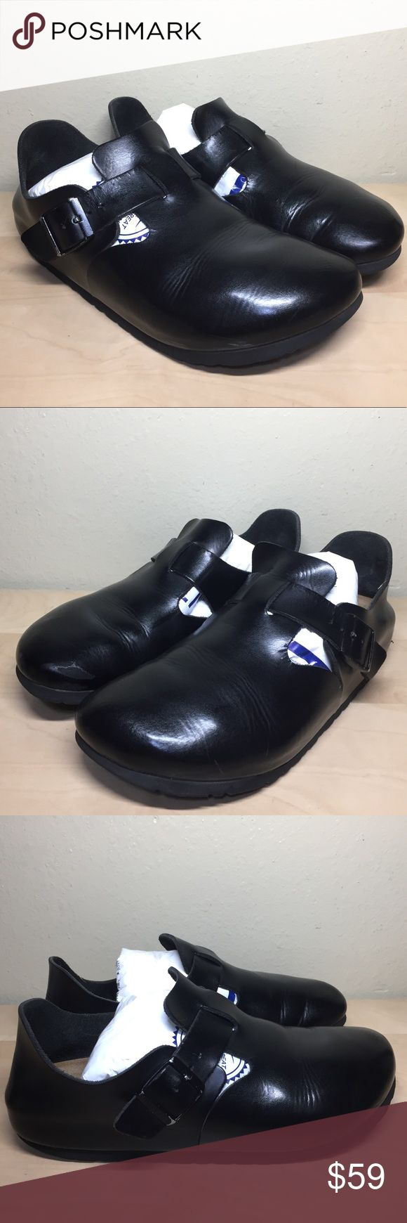 Birkenstock London Black Leather London Clogs Birkenstock Black Women's Leather London Slip-On Clog Size EU 40 US Size 9  Womens Us 9 Men's.     Us 7  These shoes are ore owned , the shoes have some wear and marks, the shoes have been cleaned.  SEE PICTURES FOR MORE DETAILS Birkenstock Shoes Mules & Clogs