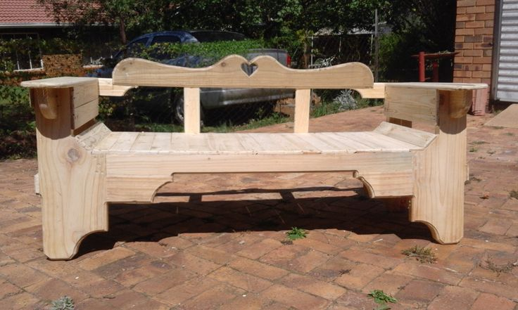 Wood bench made from reclaimed wood