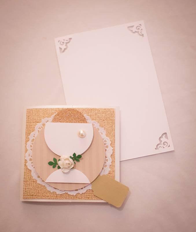 Convite feito em papel para scrap, com tema para primeira comunhão. Este convite acompanha mensagem.  PEDIDO MÍNIMO: 30 UNIDADES