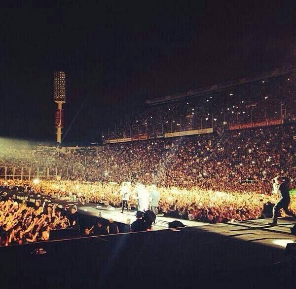 """Así recibieron las Fans de Argentina a ONE DIRECTION. ALCATEL ONETOUCH Tour Presenting Sponsor de la Gira """"Where We Are Tour 2014"""""""