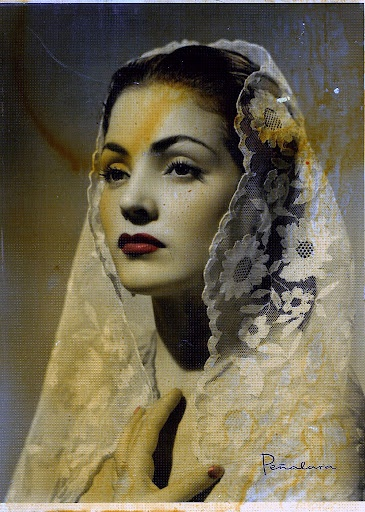 Mantilla española . Carmen Sevilla