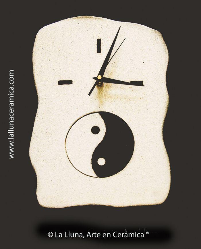 Reloj Yin/Yang -Diseño La Lluna, Arte en Cerámica®