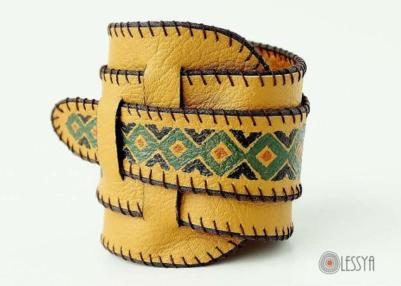 Ethnic Painted Leather Bracelet/Cuff por olessyas