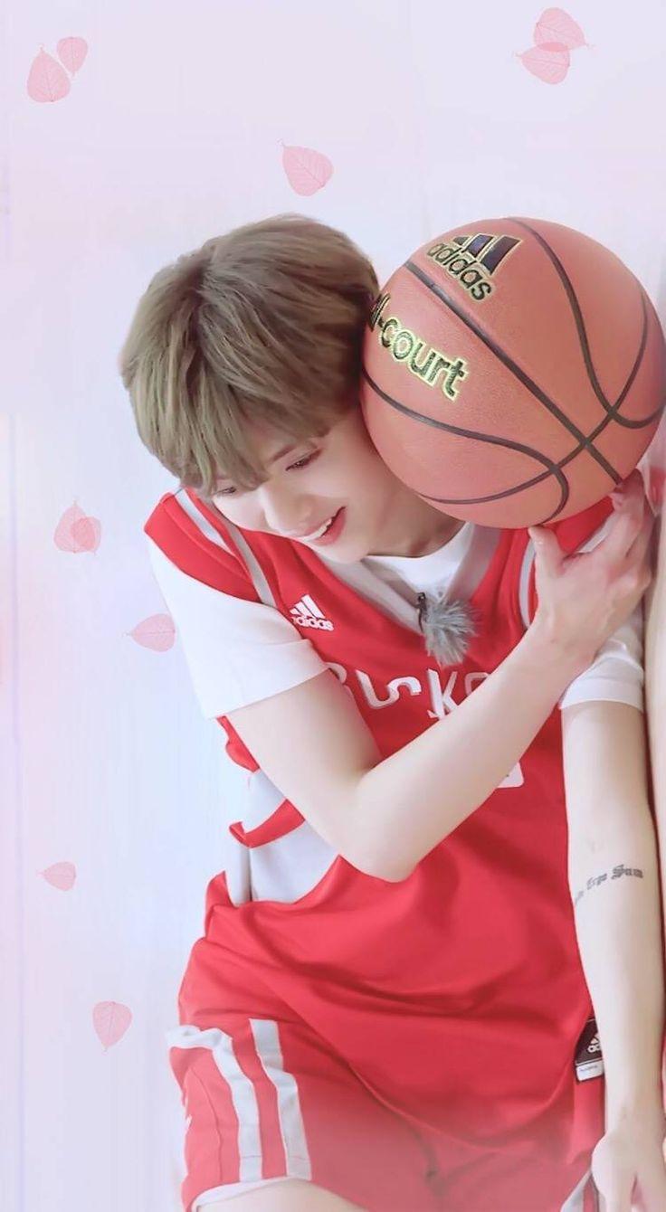 "鹿晗 Luhan on ""Date Superstars"" cr. 99llx"