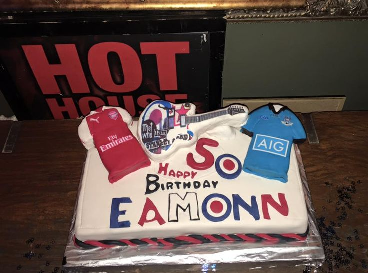 DUBLIN & ARSENAL CAKE