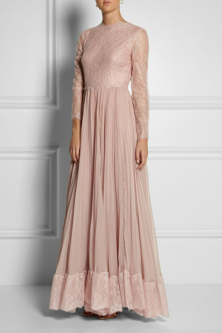 Valentino|Lace and silk gown|NET-A-PORTER.COM