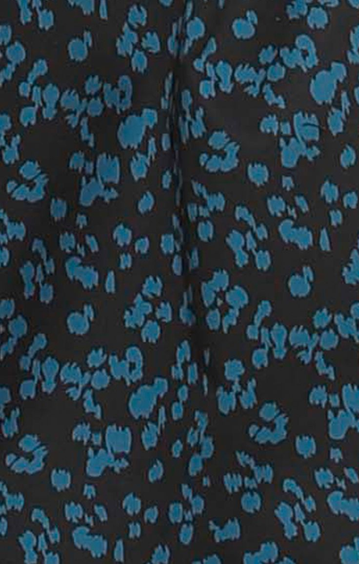 PORTO DRESS FABRIC CLOSE UP