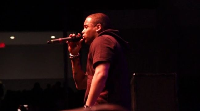 """[Watch] Mack Wilds Joins Fabolous On-Stage in his """"VCU"""" Vlog- http://getmybuzzup.com/wp-content/uploads/2014/01/Mack-Wilds-""""VCU""""-Vlog.jpg- http://getmybuzzup.com/mack-wilds-vcu-vlog/- Mack Wilds """"VCU"""" Vlog ByAmber B Mack Wilds hit upVirginia Commonwealth University, where he joined Fabolous on stage for a live performance of theirThe S.O.U.L. Tape 3collaboration """"Situationship."""" Watch below.   Follow me:Getmybuzzup on Twitter Getmybuzzup on Fac"""