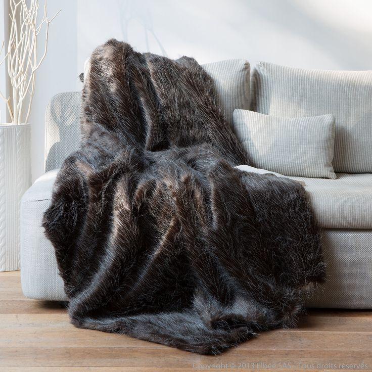 free plaid fausse fourrure autruche noirblanc xcm sweet. Black Bedroom Furniture Sets. Home Design Ideas