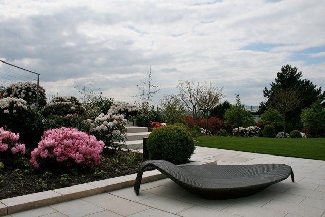 Terrasse und Stufen aus Granit