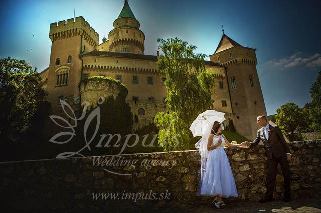 #Wedding #photoshooting by #Bojnice #castle, #Slovakia with beautiful castle backgrounds. Even if you don´t celebrate at the castle, taking pictures in its surroundings is worth it.