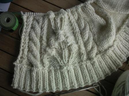 Vest bij Drops design. I'm looking forward to wear it this winter... #garnstudio #knitting #vest #winter #dropsdesign