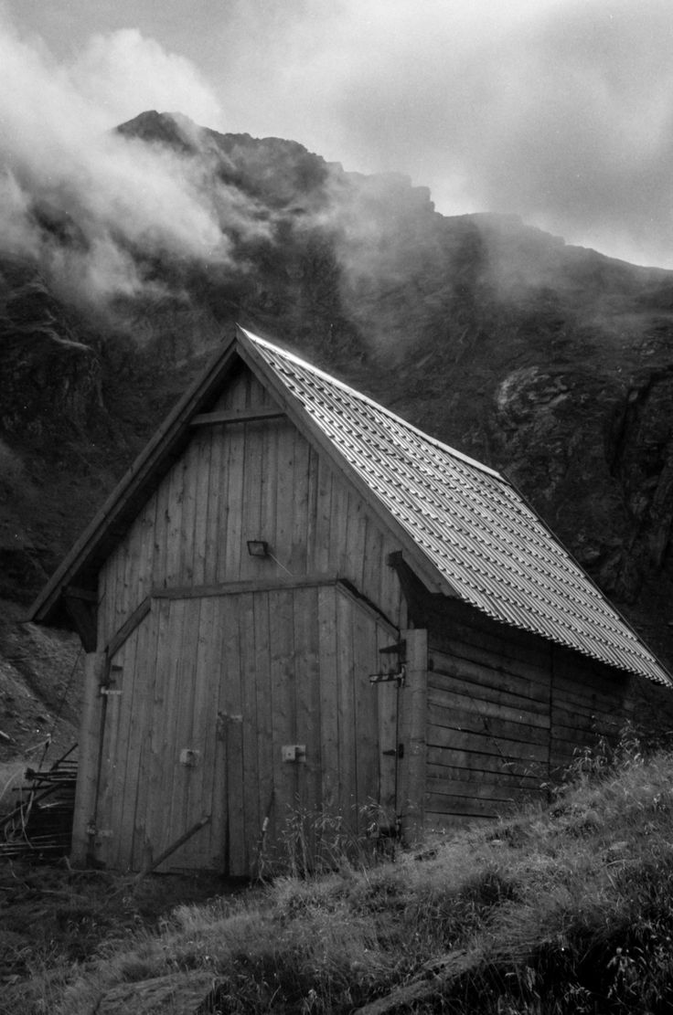 Mountain (Shed) - null