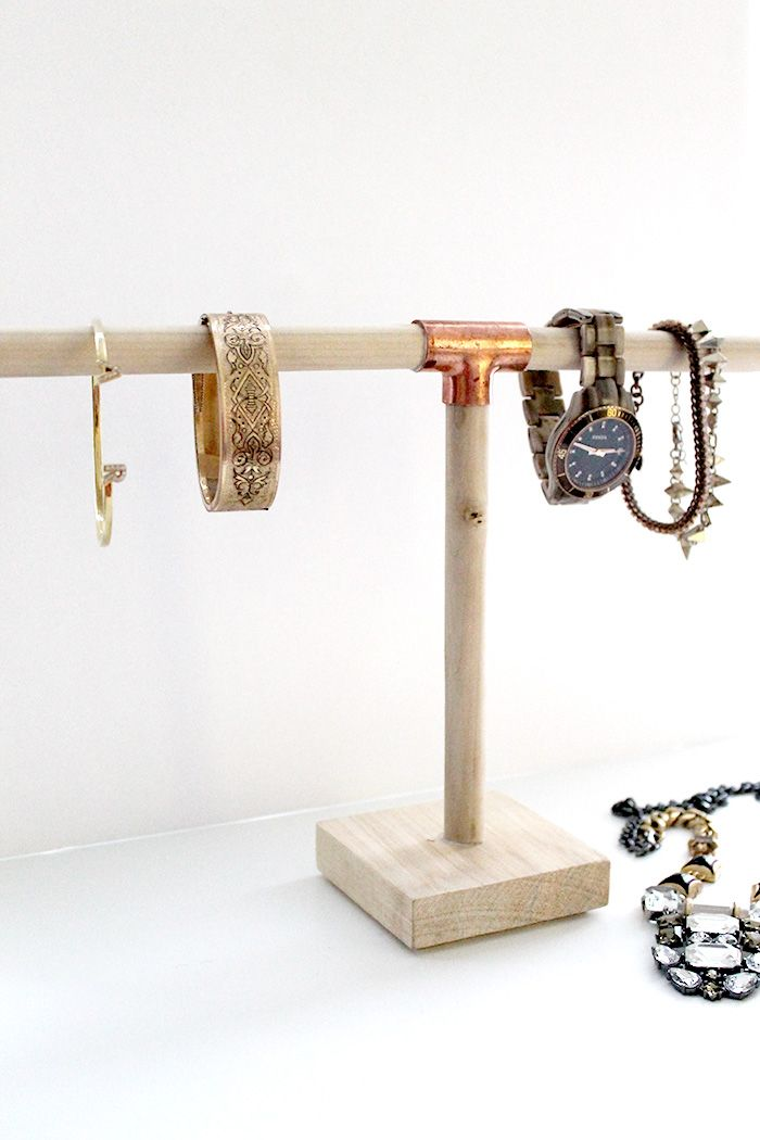 DIY+Jewelry+Holder+for+$10