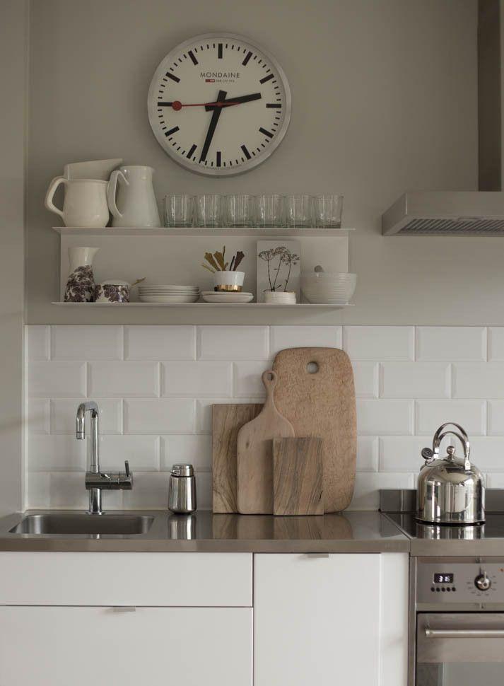 Kitchen shelf, wooden cutting boards