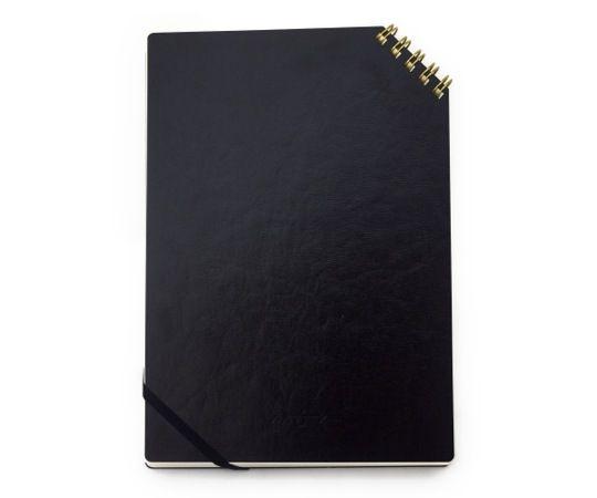 ななめリングノート リング黒 - 一冊ずつ手作業で仕上げられノート。 リングが斜めにあり、とてもめくりやすい。表紙は革のような特殊紙を使用しているので傷みにくい。   COS KYOTO Online Store