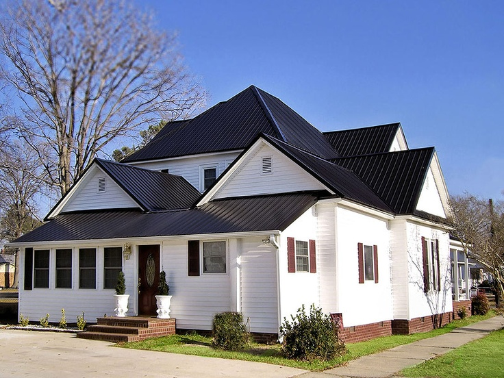 Best White Exterior With Black Metal Roof House Colors 400 x 300