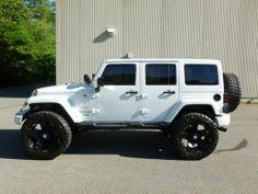 Jeep Wrangler 4 Door White Hardtop - Dream Cars