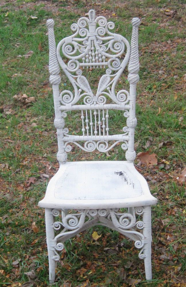 Antigue Wicker Chair