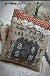 Cute finish with the row of buttons!.