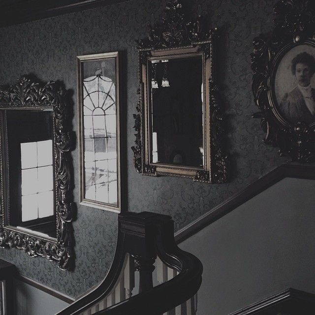 This is probably Victorian rather than Romantic, but I like the lighting and atmosphere. #victorian_decor_black
