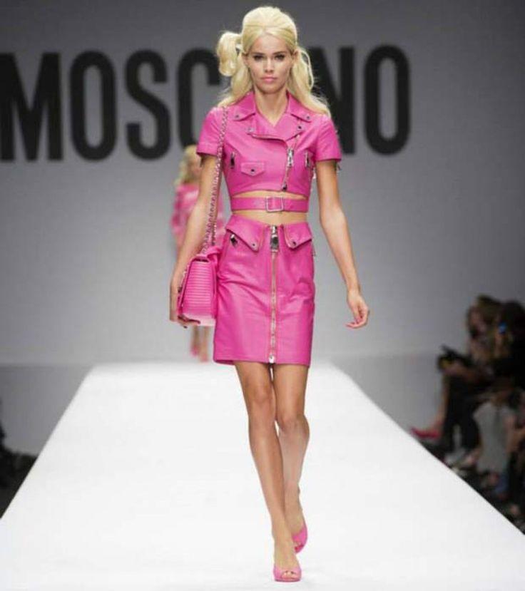 Moschino primavera estate 2015 look barbie chiodo in pelle