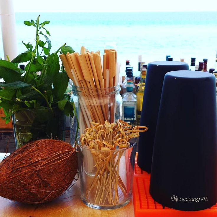Smells like a mojito to me... oh wait, perhaps Malibu with pineapple? What's the coconut for? 🍸😎✌👙 #bar #drink #drinks #cocktail #cocktails #cheers #beach #beachbar #beachlife #coconut #bartender #summer #summermood #holiday #holidays #vacation #Halkidiki #Greece #instalike