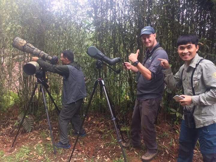 El Valle sigue siendo centro de todas las miradas..... Primer grupo de fotografos de Aves  de China, en un fam trip organizado por Colombia Birdwatch con el apoyo de Procolombia y el Bureau de Turismo del Valle!
