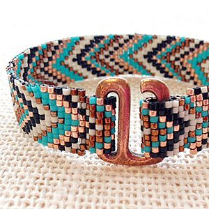 Week 28: July 15 - 21 | Fusion Beads Weekly Bead Challenge 2013//// tutorials///// love the color combo of this bracelet!!!!