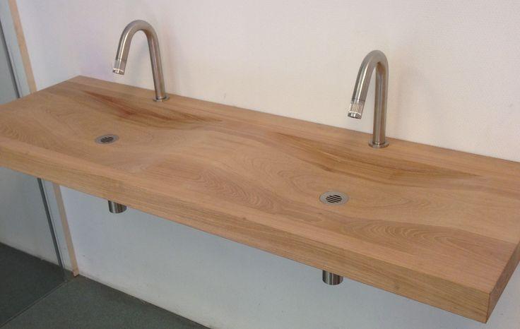 25 beste idee n over houten wastafel op pinterest zwart wit badkamers moderne badkamer - Deco badkamer hout ...