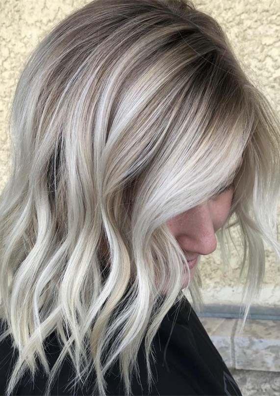 Welche Farbe Solltest Du Deine Haare Farben Ihre Farbe Farbe Haar So Welche Farbe Solltest Du D In 2020 Eisblonde Haare Coole Haarfarben Haarfarbe Blond