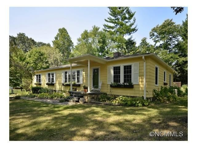 1115 Willow Rd Hendersonville Nc 28739 Home For Sale And Real Estate Listing Realtor Com U00ae