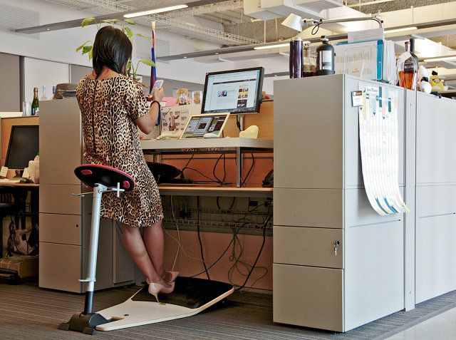25 best ideas about standing desk chair on pinterest for Standing desk at home