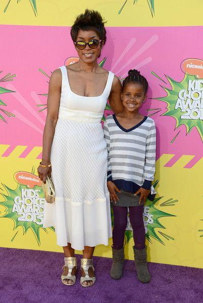 Nickelodeon's 26th Annual Kids' Choice Awards - Arrivals - Angela Bassett and Bronwyn Vance
