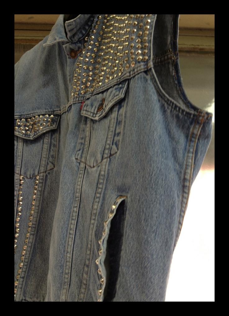 Gilet di jeans maltese lab disponibile su www.ilmalteselab.com