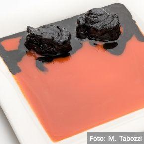 Il rosso e il nero  Coda di rospo al nero di seppia in salsa fredda di gazpacho - Chef Gualtiero Marchesi