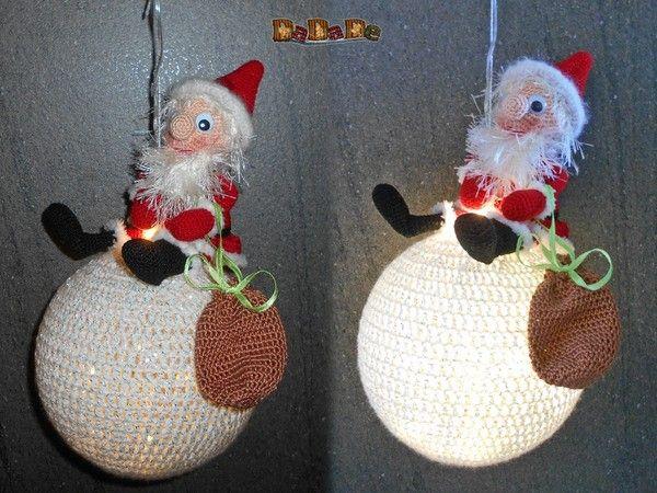 Nikolaus oder Weihnachtsmann, beleuchtete Dekoration - gehäkelt von Dadade