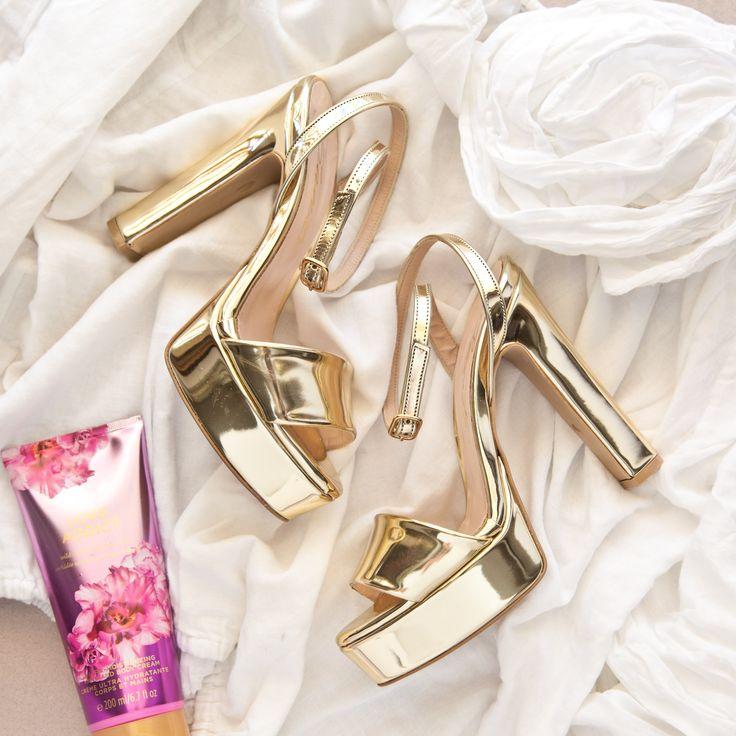 Love affair... #SanteWorld SHOP #SALE in stores & online (SKU-91831): www.santeshoes.com