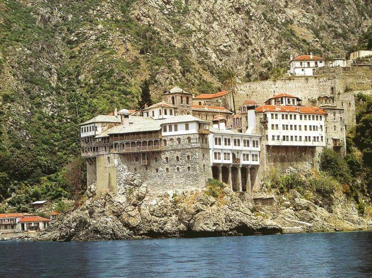 Ιερα Μονή Οσίου Γρηγορίου. Εξωτερική άποψη. - Holy Monastery of Gregoriou. External view.