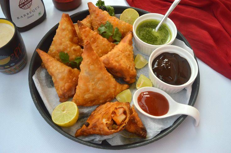 Tandoori Paneer Samosa Recipe (With Baked Option)