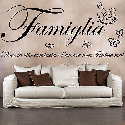 Wall stickers frasi famiglia farfalle adesivi murali da for Famiglia parete